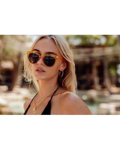 occhiali-da-sole-plastica-montatura-gialla-trasparente-lenti-nere-forma-gatto-old-skull-seregno